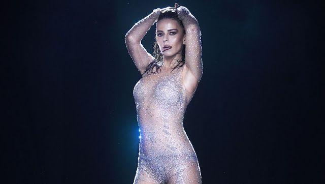Sizin Muzik Simge Opucem Resmi Elbise The Dress Moda Stilleri