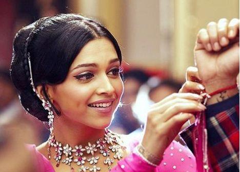 Deepika Padukone - Om Shanti Om - ॐ शांति ॐ - (2007)  Source: planetradiocity.com