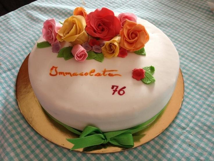 Torta compleanno nonna. Pan di Spagna con crema diplomatica e nutella