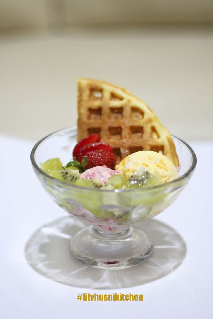 ice cream waffle homemade with fruit
