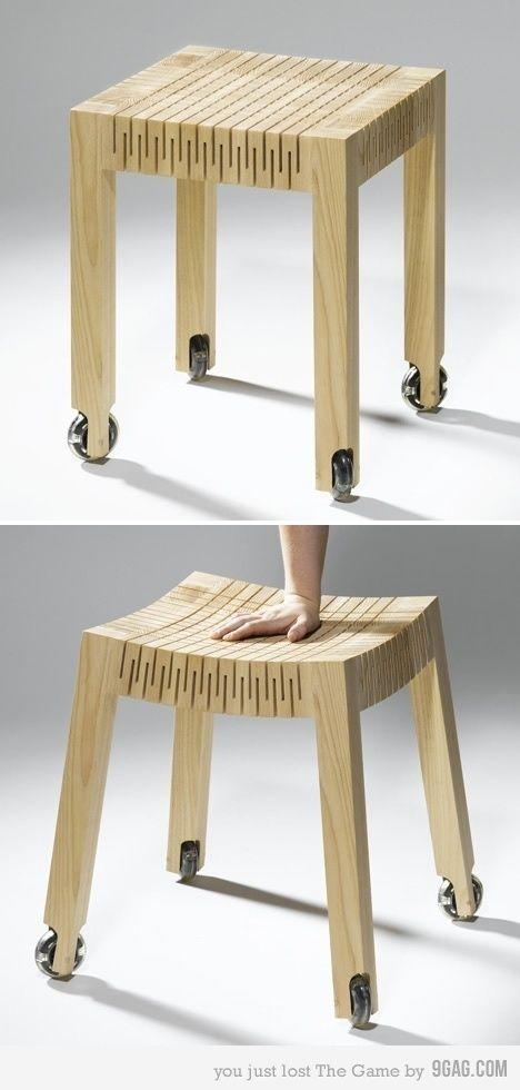 Coup de cœur pour la collection de mobilier innovant en bois par Caroline Laro. Mobilier créatif doté d'un oreiller de bois, ce mobilier à l'apparence simp