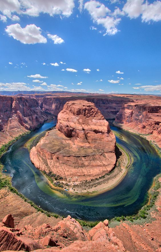 Wanting to fly over the Grand Canyon, have lunch at Horseshoe Bend, walk through Antelope Canyon and sail the Colorado River but don't have enough vacation time? What if I could tell you you could do it one day? We did. If you only have one day on vacation in Arizona, then make it a good one. See how you can fit all this in one memorable day: a sunrise scene flight over the Grand Canyon, Upper Antelope Canyon guided tour and rafting trip down the Colorado River through Horseshoe Bend…