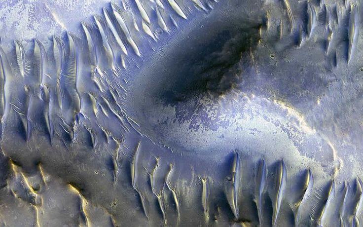 NASA EN ESPAÑOL :: Espectacular Imagen de la División de Dunas en Marte