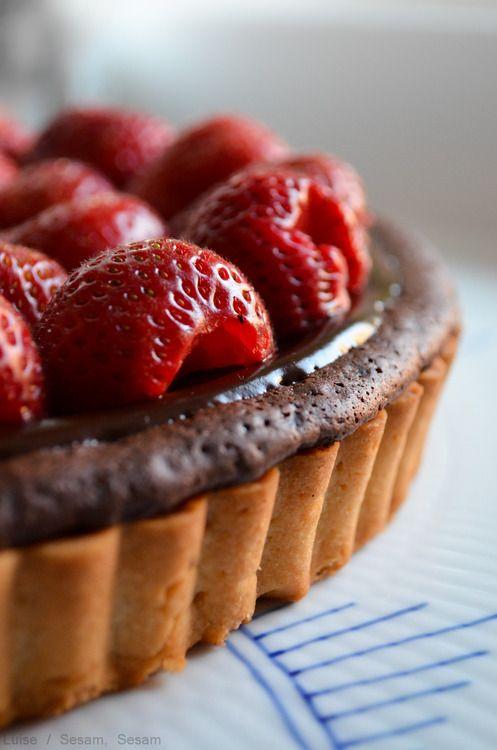 Dobbelt-chokolade-jordbærtærte — Sesam, Sesam