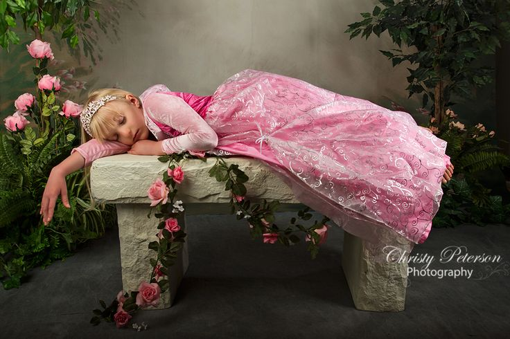 princess sleeping beauty photography session by Port Orchard photographer