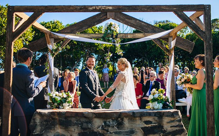 Benjamin Carlyle,  Byron Bay Wedding Celebrant. Pic - Cam Neville. Dunes On Shelley