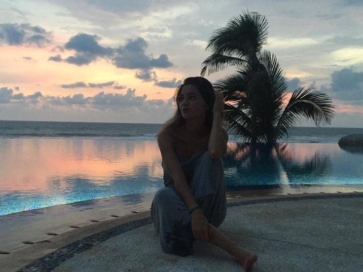 "123 Me gusta, 11 comentarios - Beauty Brunch (@beautybrunchblog) en Instagram: ""Time flies by as we're watching the sea 🎶"""