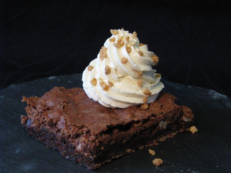 Gluten- og laktosefri brownie med hasselnødder