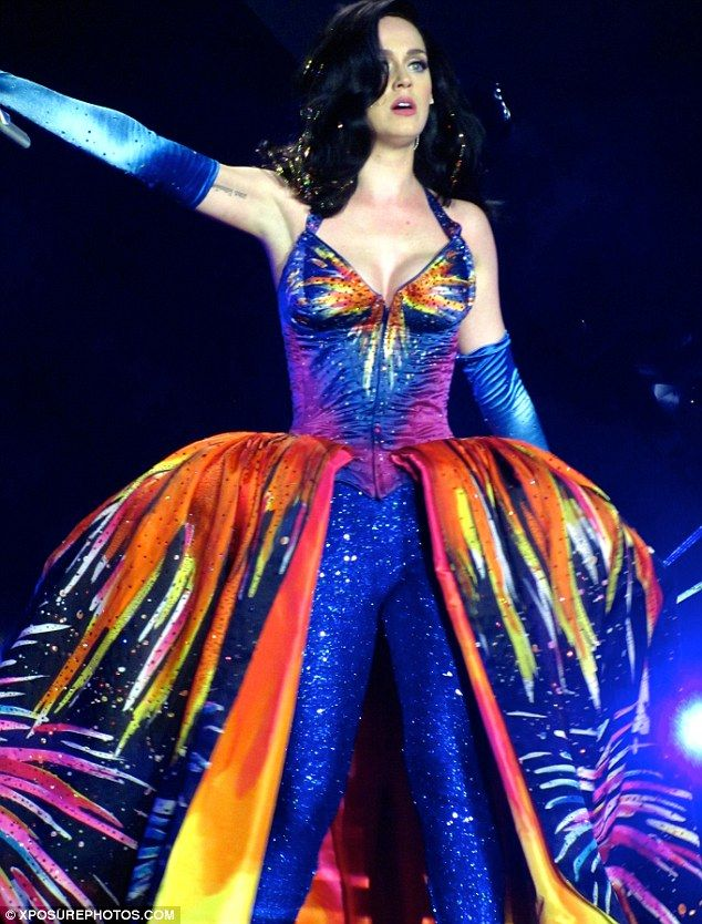 Katy Perry rocks NINE outfits on the first night of her ... Katy Perry Firework