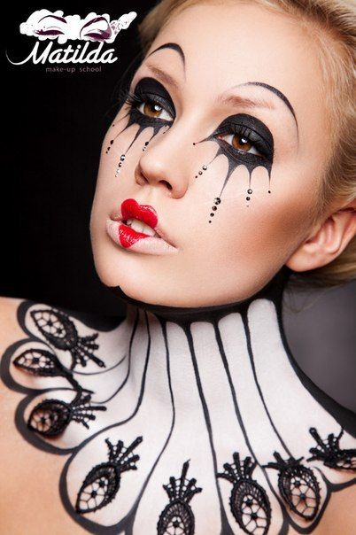 This would work well with a black & white trapeze outfit. Майстер-Клас МATILDA #circus #clown #beauty