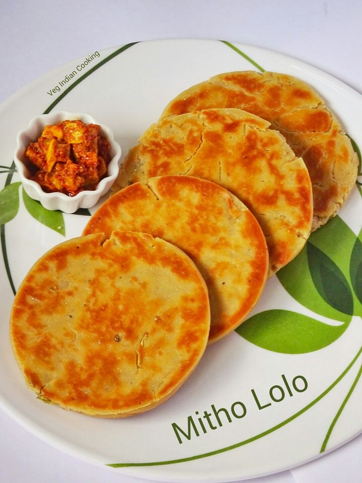 Authentic Sindhi Recipe - Mitho Lolo Meethi Roti (Sweet Flat Bread)  Sharing step by step recipe of Sweet Flat Bread - Mitho Lolo - authentic Sindhi recipe - a griddle roasted sweet flat bread - made from a dough of wheat flour, sugar and ghee...  #meethi #roti #recipe #authentic  #flatbread #foodblogger #sindhicuisine #mithololo