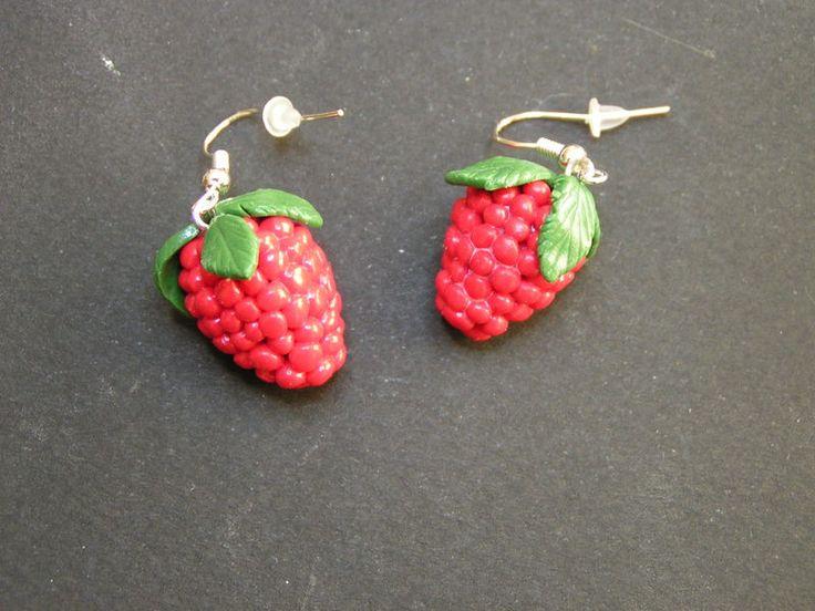 boucles d'oreille framboise en fimo de Jewelry fimo sur DaWanda.com