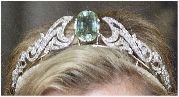 cc09fcba65a9c74b9b0945df9346602b--royal-tiaras-royal-jewels Royal Wedding Queen Elizabeth Ii