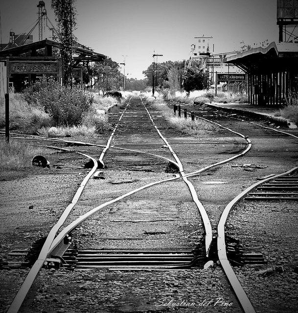 La vieja estación de Tes Arroyos, Buenos Aires, Argentina Vias antiguas | Flickr: Intercambio de fotos