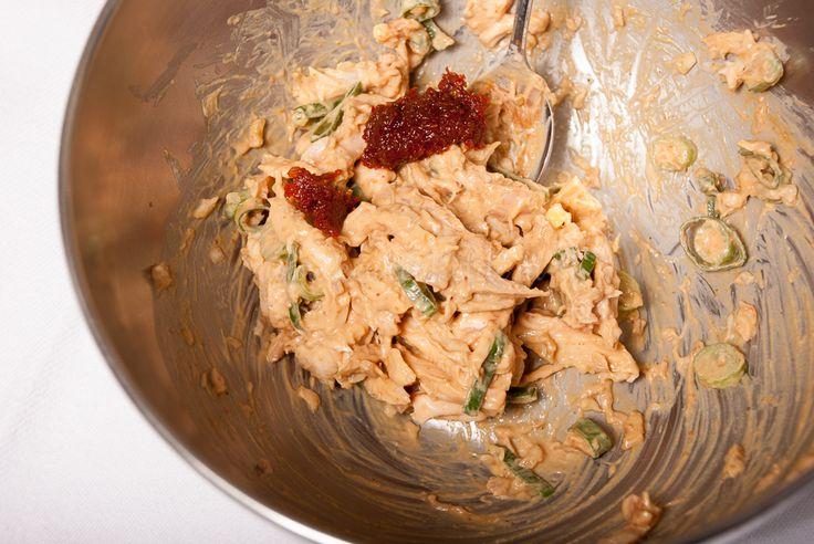 Omdat ik dol ben op kipsaté-salade, bedacht ik een lekker zelfgemaakt recept.De eerste poging was direct een schot in de roos! Maak hem snel: hier word je