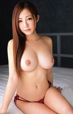 emojome: Minori Hatsune 初音みのり Just panties :)