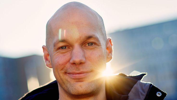 Aleksis Salusjärven kolumni: Lukeminen ei ole hauskaa, se on eloonjäämistaito