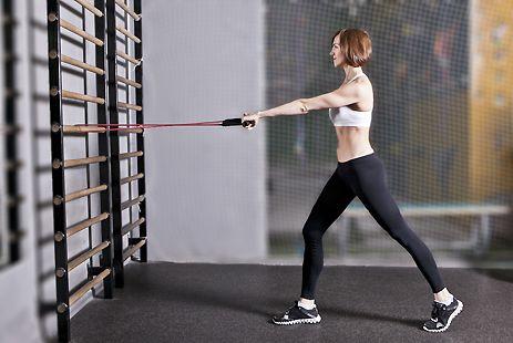 Тренировка с эспандером: упражнения для начинающих (ФОТО) :: Фотокомплексы :: JV.RU