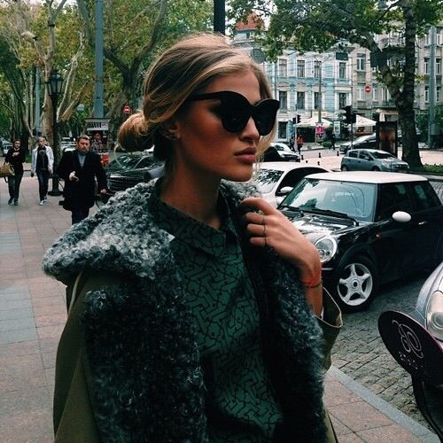 Image via We Heart It #blonde #brunette #fashion #girl #model