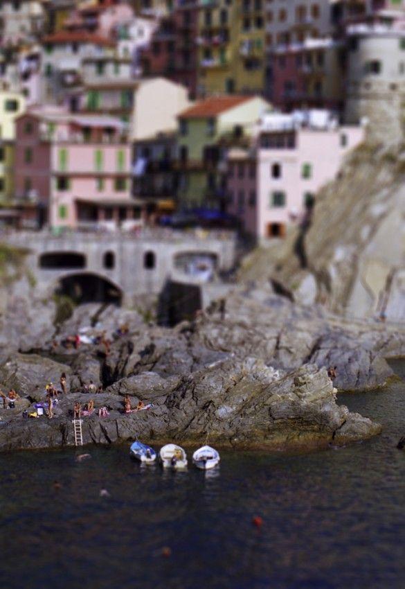 Cinque Terre   http://www.italianfix.com/photographic-tribute-to-cinque-terre-1/: Cinque Terre Italy, Favorite Places, Dreams Vacations, Rocks Beaches, Beautiful Places, Bella Cinque, Beautiful Beaches, Photo, Splendid Cinque