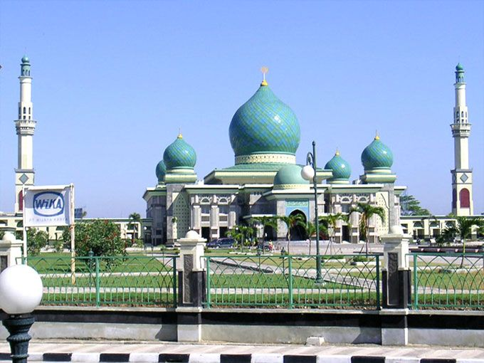 An Nur Mosque, Pekanbaru, Indonesia