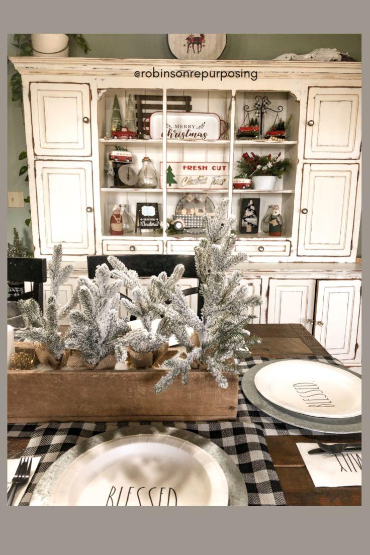 Farmhouse style Christmas Dining Room Decor in 2020