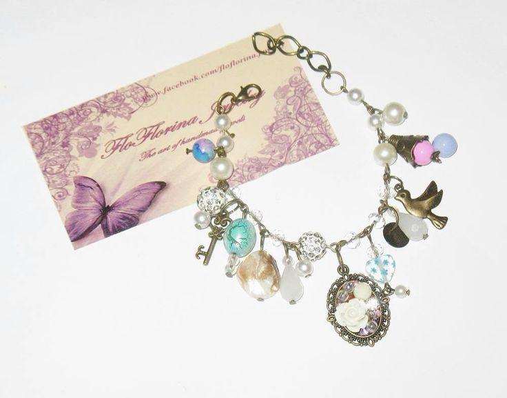 Bracelet handmade by FloFlorina Jewelry