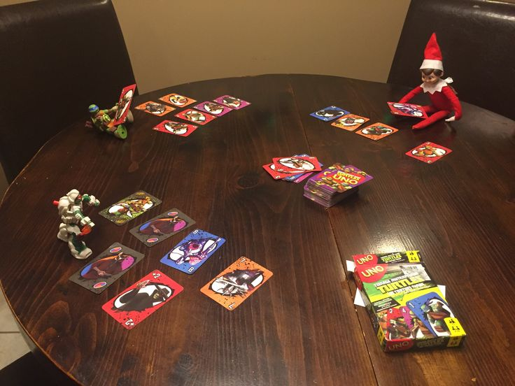 Playing tmnt UNO