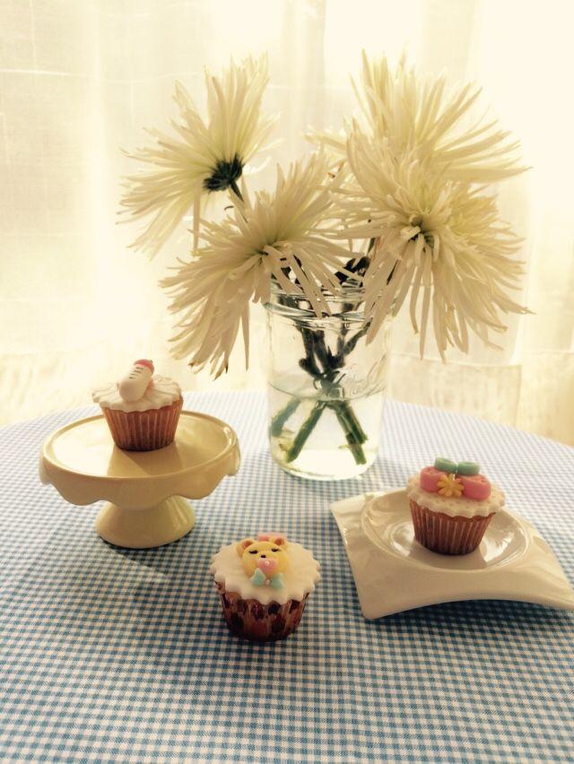 Una rosa, un cupcake, un momento dulce, crea recuerdos inolvidables.  Síguenos en Instagram @tudulceestilo. Haz tu pedido @tudulceestilo lo tiene todo para tu fiesta o evento especial. Contacto: info.tudulceestilo@gmail.com - +56 9 6899 5547  #tudulceestilo #decoracioneventos #pasteleriacreativa #welovecupcakes #welovecakes #cupacakeschile #pasteleriachile #momentosdulces