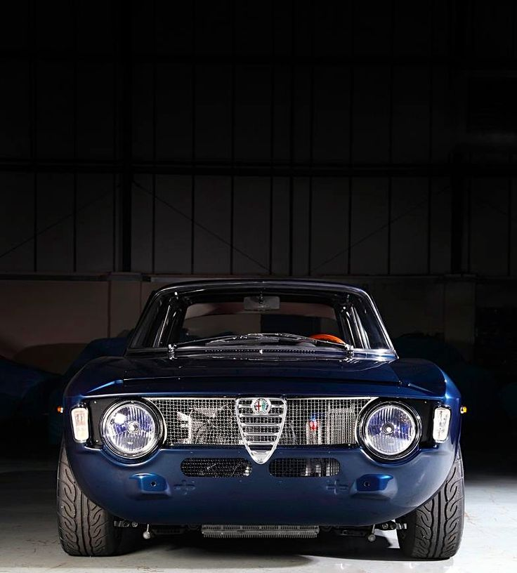 alfa romeo fotos l minas pinterest voitures sportif et voiture vintage. Black Bedroom Furniture Sets. Home Design Ideas