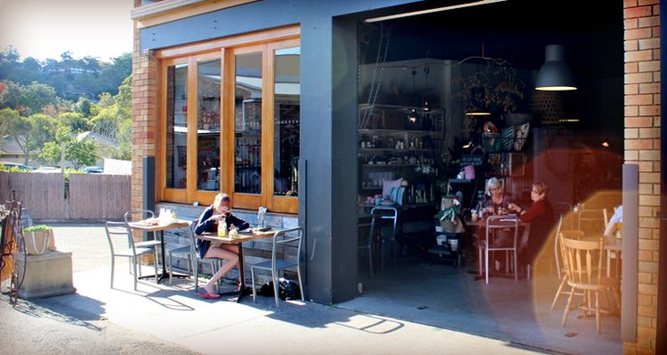 Oomph cafe - Featuring at both East Gosford and North Avoca