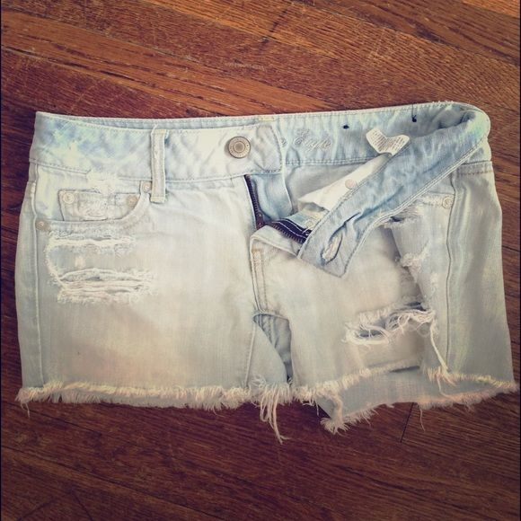 American Eagle Shorts Size 0 american eagle shorts. maybe worn once, but they were too small for me. bought last year however they are selling this exact pair in store and online now for $44.95 American Eagle Outfitters Jeans