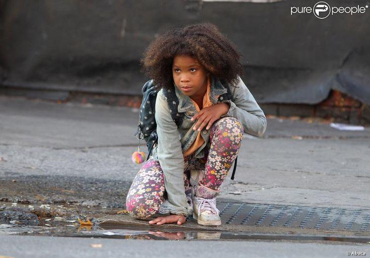 Quvenzhané Wallis tourne une scène musicale du film Annie à Harlem, New York, le 2 octobre 2013.