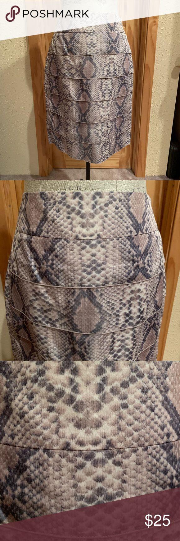 Tribal Skirt Size 6 Beautiful skirt in snakeskin pattern. Like new condition. Ha…