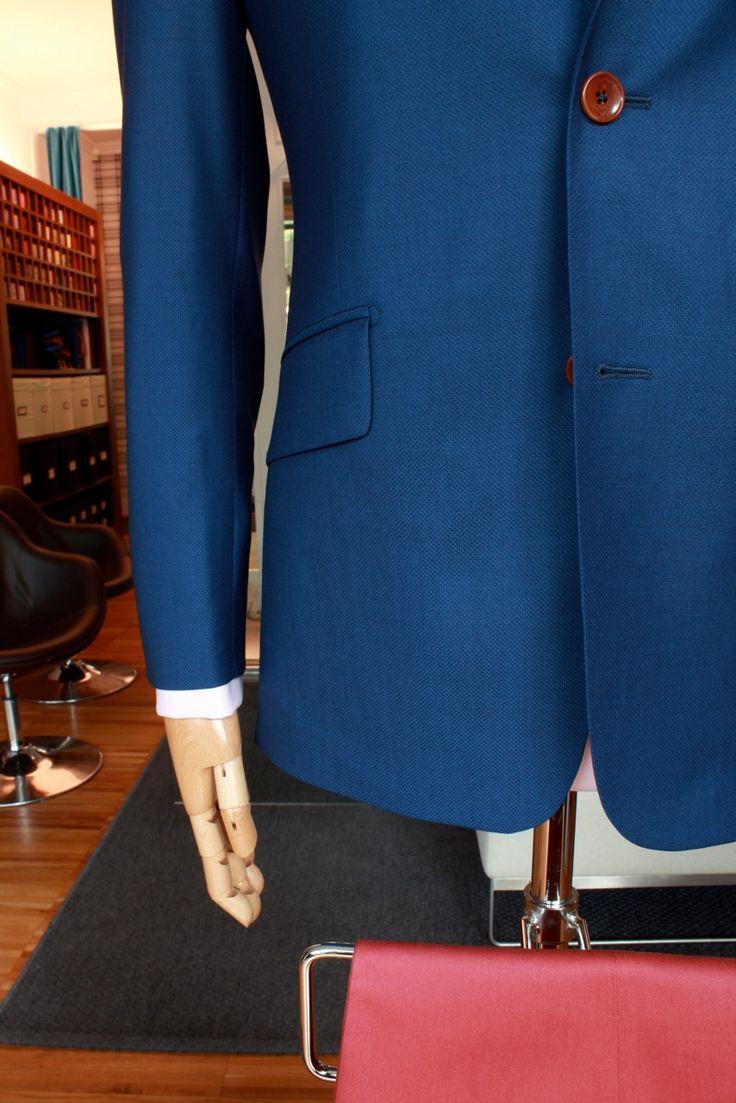 https://www.facebook.com/media/set/?set=a.10153444359514844.1073742489.94355784843&type=3  #fashion #style #menswear #mensfashion #mtm #madetomeasure #buczynski #buczynskitailoring #dormeuil #jacketing #jacket #tailoring #brisbane #chino #trousers