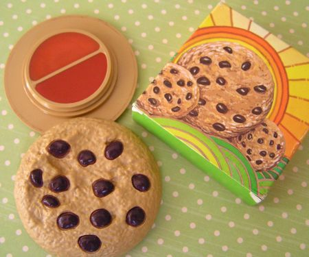 Lip Gloss-LOVED these and I had so many of them. I can still smell the cookie lip gloss. Wish they made them now