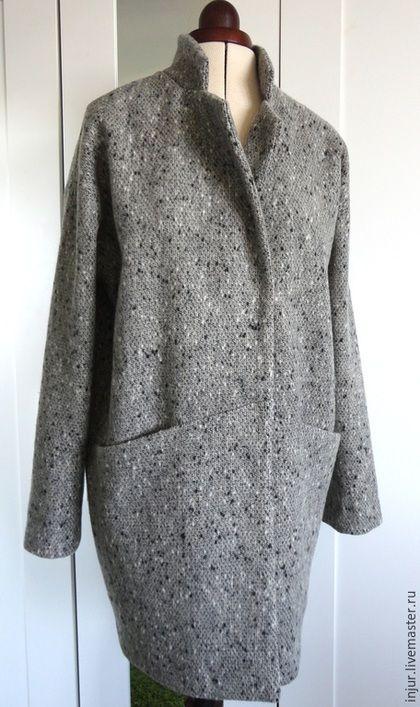 Купить или заказать Пальто демисезонное. в интернет-магазине на Ярмарке Мастеров. Вот так я вижу эту весну)). Стильное, лаконичное, с четкими линиями пальто и нежный подклад, который создает настроение). Это замечательное пальто можно легко стирать в машинке, в режиме 'шерсть'.