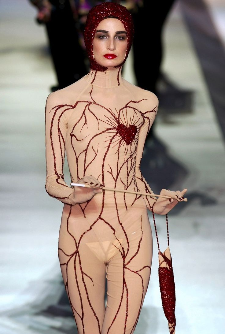 thedoppelganger:      Erin O'Connor, Jean Paul Gaultier Fall 2003 Haute Couture