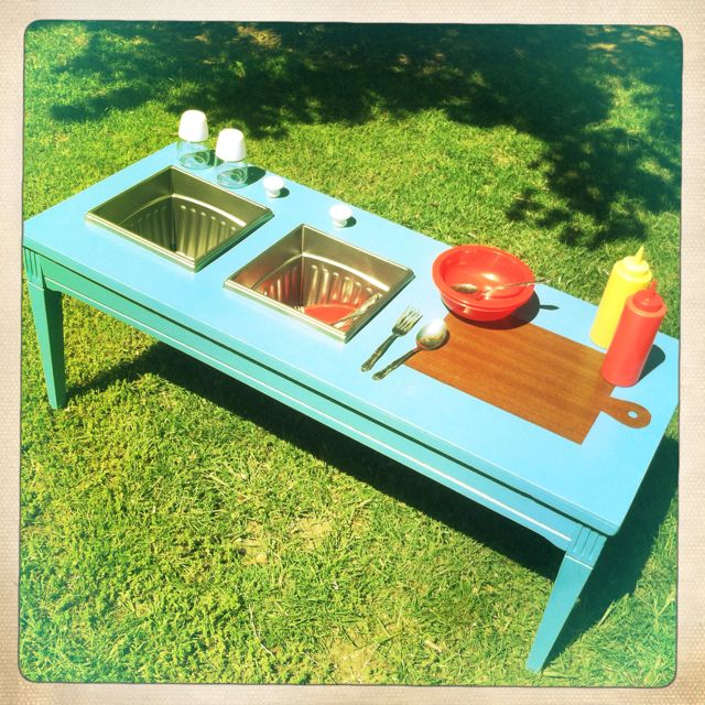 Mud pie kitchen we made for our girlies!! Can't wait to watch them play!