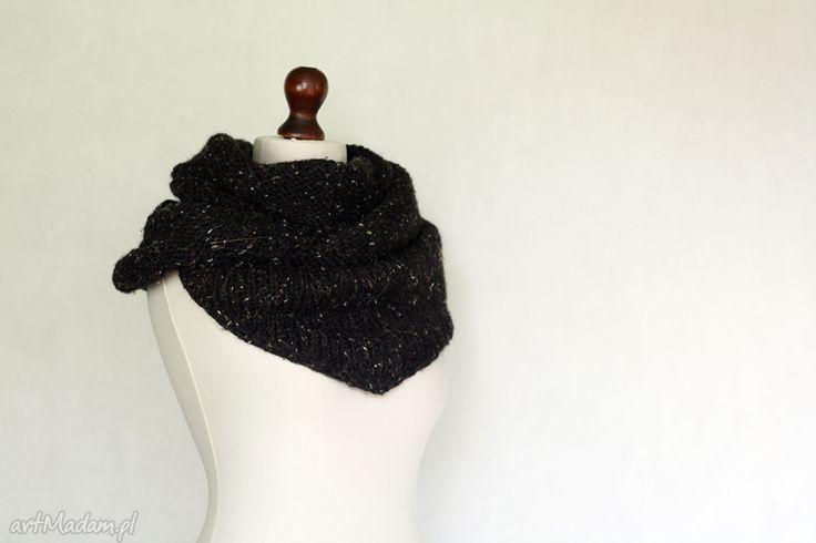 Czarna tweedowa chusta