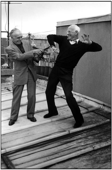 .Robert Doisneau & Henri Cartier-Bresson sur un toit de Paris 1996 Like & Repin. Noelito Flow. Noel songs. follow my links http://www.instagram.com/noelitoflow