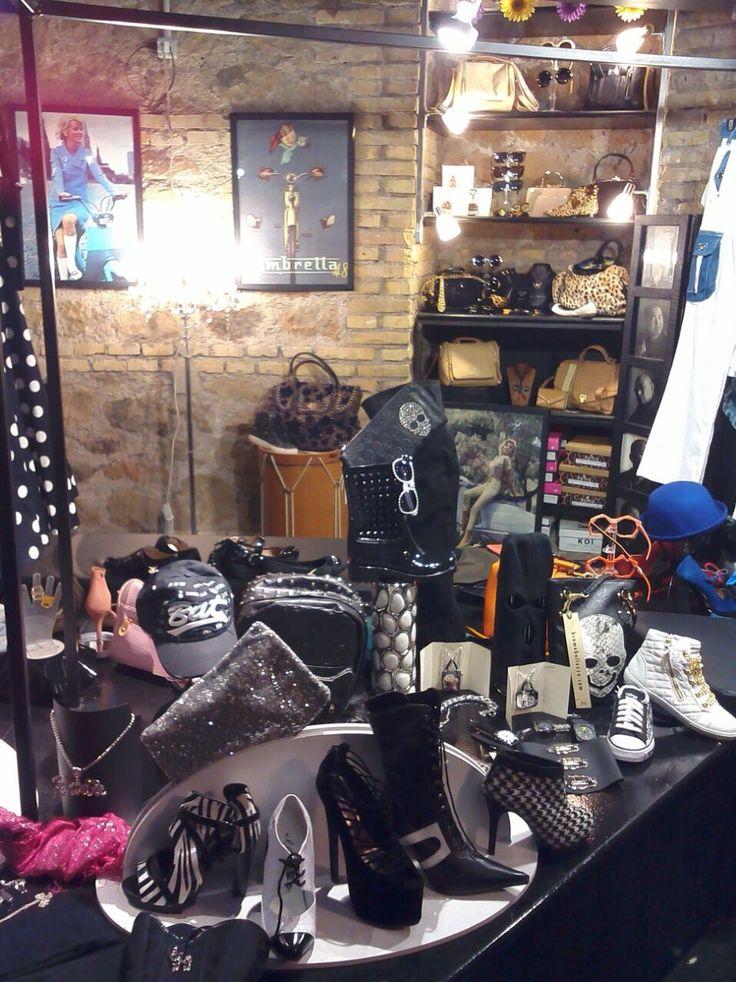 Venite a scoprire la nostra collezione!  #shopping #bcomebellezza #Roma