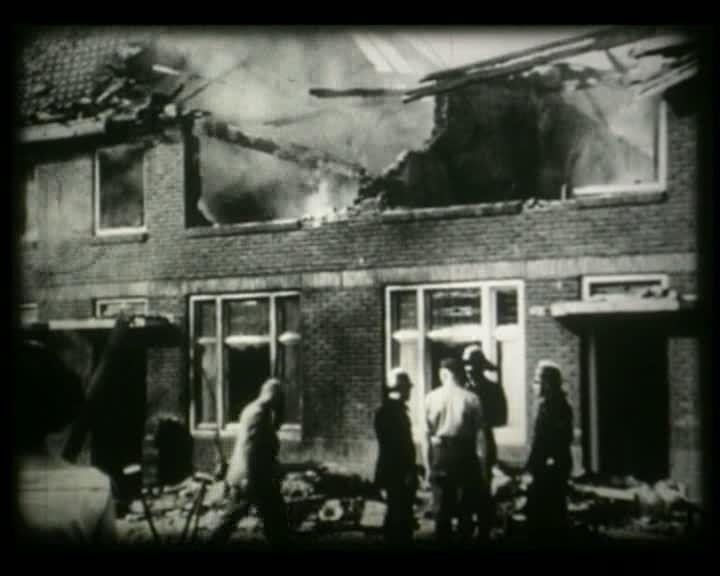 Straaljager neergestort -  fragment uit Stadsjournaal Eindhoven 1956. DOORKLIKKEN!