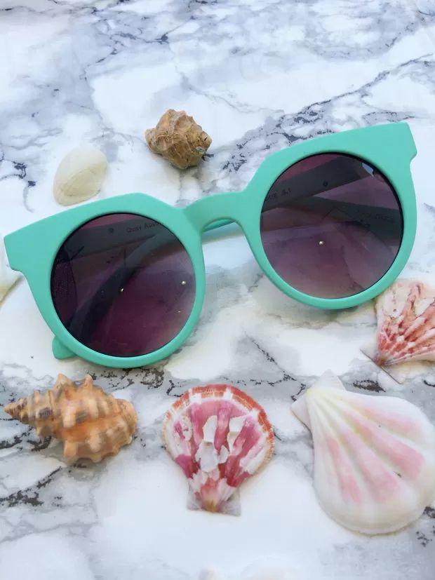 Quay Frankie-Mint Sunglasses