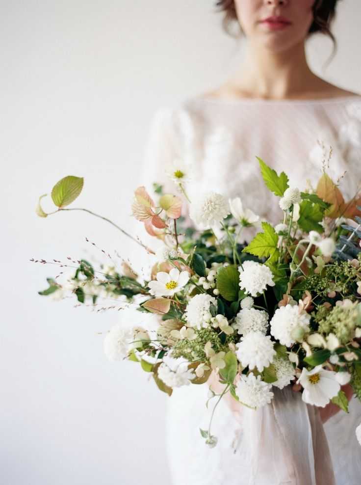 Wildflower inspired bouquet by Botanique Floral, captured by Seattle Wedding Photographer Anna Peters