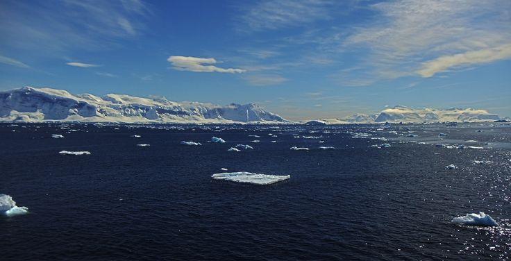 Navegando hacia la Base Arturo Prat