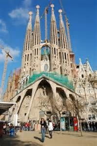 Right around the corner from some of the best hotels in Barcelona, the most famous buildings in Barcelona are those designed by Art Nouveau architect, Antoni Gaudi.  The largest and most recognizable of Gaudi's buildings is the Sagrada Familia, his unfinished masterpiece.