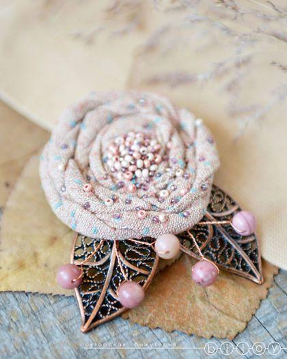 Брошь цветок «Пыльная роза». Купить брошь ручной работы. Купить брошь цветок…