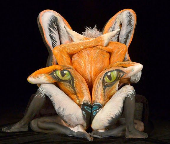 Shannon-Holt-body-painting...can you work out how many people are in this body painting of a fox??....:):)