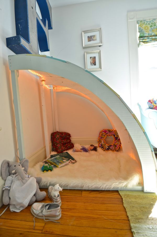 How cute is this? How to Build the Best Kids Reading Nook Ever. I would love this as a kid? :)
